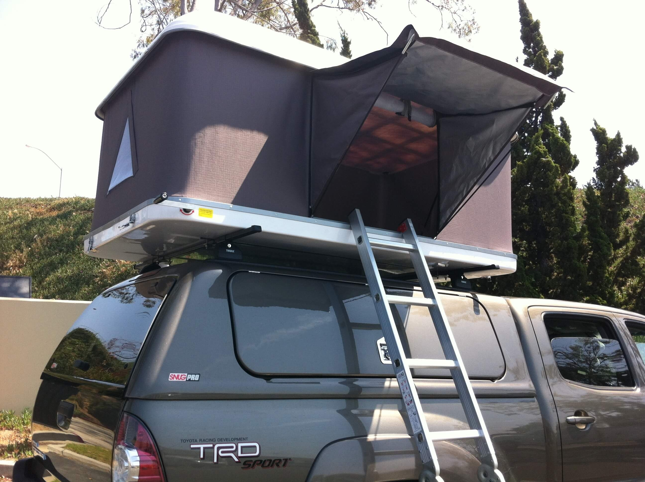 Hard Shell Tacoma Roof Top Tent White