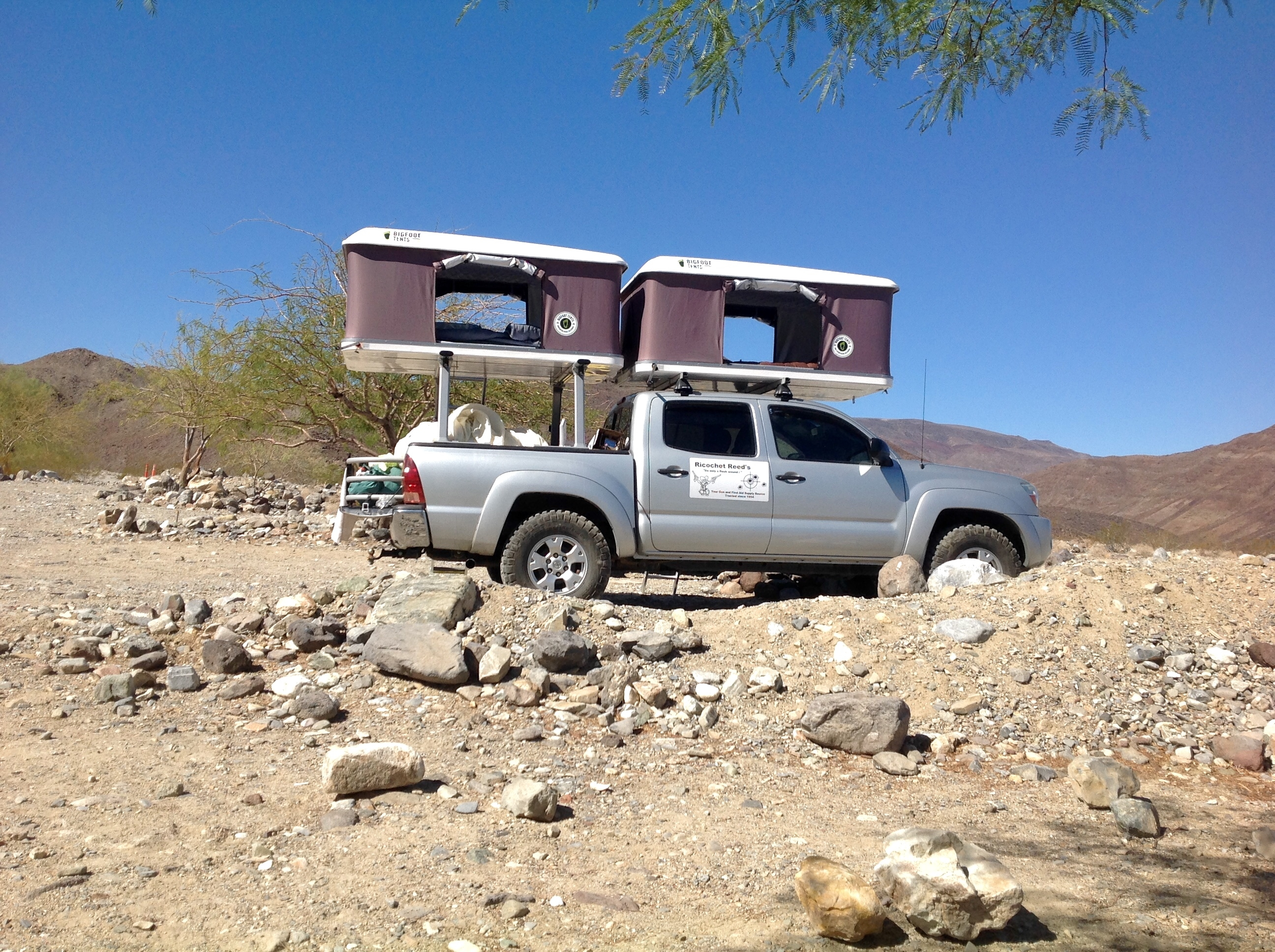 Hard Shell Roof Top Tent - On A Tacoma Toyota : small car roof top tent - memphite.com